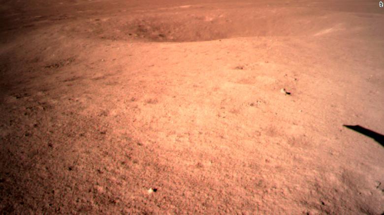 اولین تصویر این ماهنورد از ماه