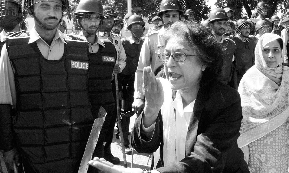 عاصمه جهانگیر، از وکلای سرشناس پاکستان و گزارشگر ویژه سازمان ملل در امور حقوق بشر ایران
