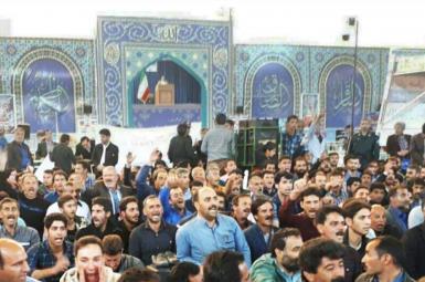 پشت کردن کشاورزان به امام جمعه اصفهان در اعتراض به بحران آب