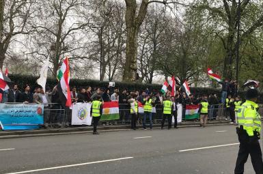 تجمع مقابل سفارت ایران در لندن