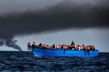 احتمال غرق ۹۰ نفر بر اثر واژگونی قایق پناهجویان در سواحل لیبی
