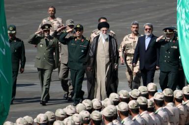 آیتالله خامنهای، رهبر و فرمانده کل قوای جمهوری اسلامی ایران