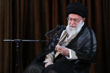 آیتالله علی خامنهای، رهبر جمهوری اسلامی ایران، در دیدار با سفیران و مسؤولان وزارت امورخارجه