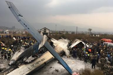 دستکم ۴۰ کشته و ۲۳ زخمی در سقوط هواپیمای مسافربری بنگلادش