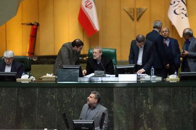 نمایندگان مجلس شورای اسلامی، با کلیات لایحهی بودجهی سال ۱۳۹۷ که ازسوی دولت ارائه شده بود، مخالفت کردند.