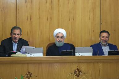 محمود واعظی، حسن روحانی و اسحاق جهانگیری در جلسه هیأتدولت
