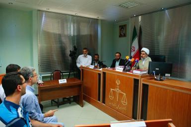 جلسه دادگاه اسفندیا رحیممشایی، رییس دفتر رییس جمهوری پیشین ایران