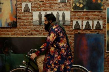 محمود صالحمحمدی در گالری هنری بهنام اسپاتزیو نور