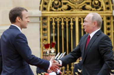 دیدار مکرون و پوتین در کاخ ورسای