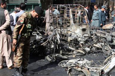 بقایای خودروهای سوخته پس از انفجار هرات