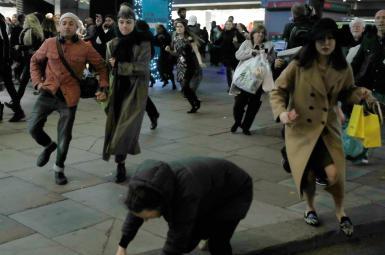 هشدار پلیس در متروی خیابان آکسفورد