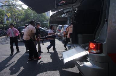 ۱۰ کشته در اندونزی بر اثر حمله مهاجمان انتحاری به چند کلیسا