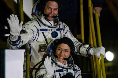 کریستینا کوچ و نیک هیگ، فضانوردانی که در راهپیمایی فضایی شرکت خواهد کرد