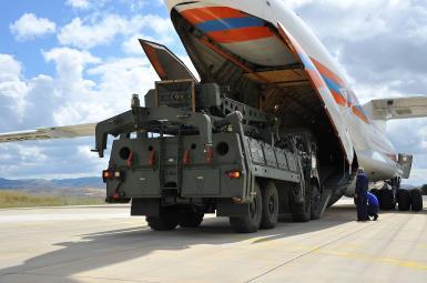 ورود نخستین محموله سامانه دفاعی ضدموشکی اِسـ۴٠٠ از روسیه به ترکیه