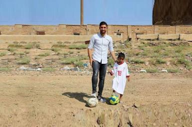 برآوردهشدن آرزوی پسربچه خاورشهری بهدست جهانبخش