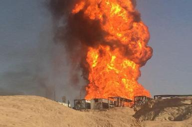 تلاش برای مهار آتش در میدان نفتی رگ سفید