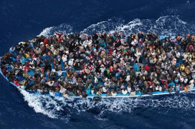 غرق شدن کشتی در سواحل لیبی