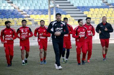لیگ برتر فوتبال ایران؛ مصاف پرسپولیس و صنعت نفت در ورزشگاه آزادی
