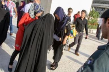 حمله مأموران گشت ارشاد به دختر ایرانی