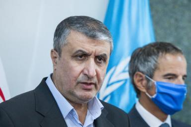 Mohammad Eslami with IAEA chief Rafael Grossi in Tehran, September 12, 2021