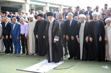 آیتالله علی خامنهای، رهبر جمهوری اسلامی، در مصلی تهران و به مناسبت عید فطر