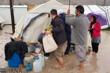 شرایط دشوار زندگی  خانوار زلزله زده