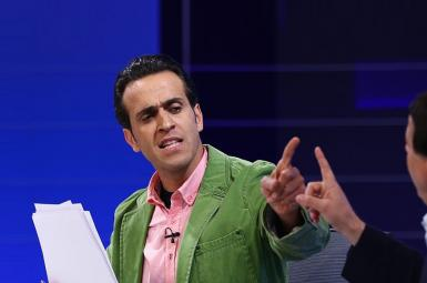 مناظره «علی کریمی» مربی فوتبال ایرانی با «محمدرضا ساکت» در برنامه ۹۰