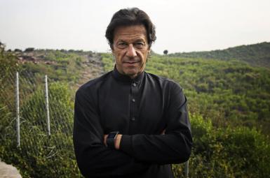 عمران خان، بازیکن سابق کریکت، و کاندیدای آینده برای رسیدن به پست نخستوزیری در پاکستان