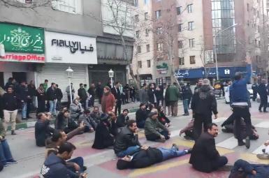 تیراندازی پلیس ایران برای مقابله با تجمع دراویش