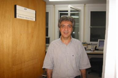 استاد دانشگاه لندن، عباس عدالت