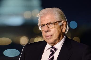 کارل برنشتاین (Carl Bernstein) خبرنگار معروف آمریکایی روزنامه واشنگتن پست