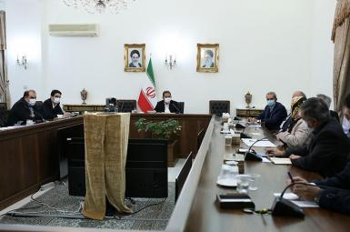 Iran business figures meeting with former vice president Es'haq Jahangiri. FILE.