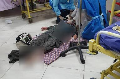 Patient being treated on the ground in Mashhad as Iran hospitals have run out of capacity during COVID surge. August 7, 2021
