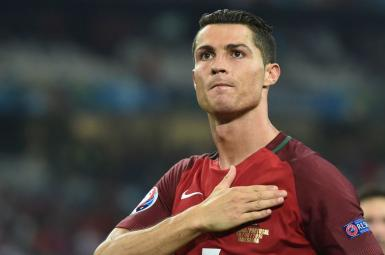 کریستیانو رونالدو، فوق ستاره تیم فوتبال رئال مادرید
