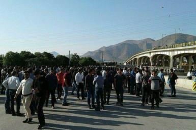 کارگران کارخانه هپکوی اراک، روز دوشنبه ۳۱ اردیبهشتماه، تجمع اعتراضی خود را دوباره از سر گرفتند.