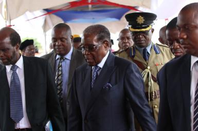 حضور موگابه در انظار عمومی