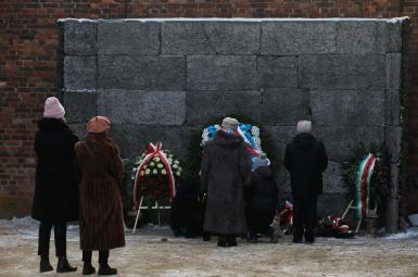 مراسم یادبود ۷۴مین سالگرد آزادسازی اردوگاه آشویتس