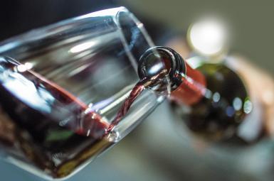 نوشیدن متعادل شراب از ابتلا به دیابت جلوگیری میکند