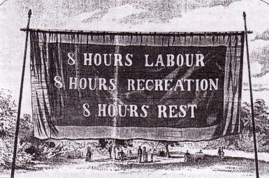 پلاکارد کارگران شیکاگو در اول مه ۱۸۸۳ میلادی