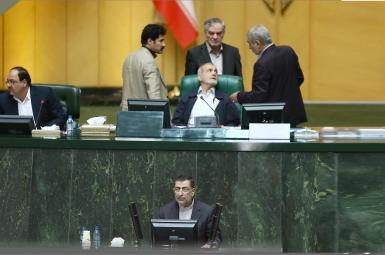 علیرضا آوایی، وزیر دادگستری در جلسه طرح سؤال درمورد حصر در مجلس