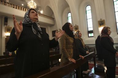 مسیحیان ایرانی در کلیسا