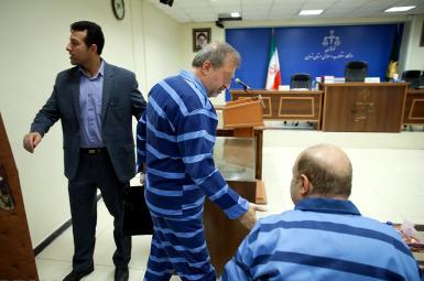 دیوان عالی کشور، حکم ٢٠ سال حبس مهدی شمس زاده و حمید فلاح هروی، از شرکای بابک زنجانی را تایید کرد.
