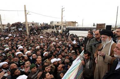 آیتالله خامنهای در دیدار از مناطق زلزلهزده: از تلاشها قانع نیستم