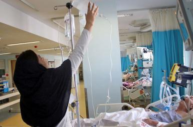 معاون وزیر بهداشت: در سال ۶ هزار پرستار بدون جایگزین بازنشسته میشوند