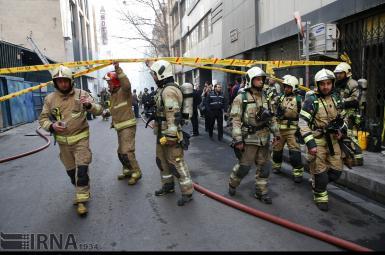 ورود تیم بررسی به طبقهی منفی چهار ساختمان برق حرارتی وزارت نیرو