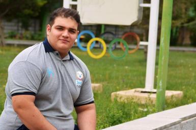 علیرضا یوسفی قویترین مرد وزنهبرداری نوجوانان آسیا شد