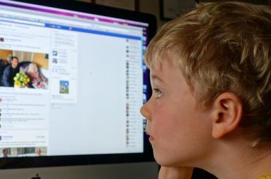 افزایش نظارت «اپل» بر استفاده کودکان از اینترنت