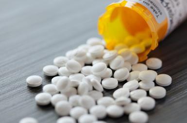 خسارت ۵۰۰ میلیارد دلاری اعتیاد آمریکاییان به قرصهای مخدر