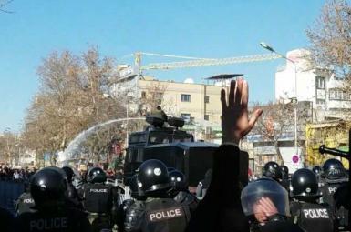 تجمع در چند شهر ایران در اعتراض به گرانی