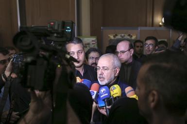 محمدجواد ظریف در مراسم رونمایی از نمایشگاه اسناد «نقش وزارت امورخارجه در دفاع مقدس»